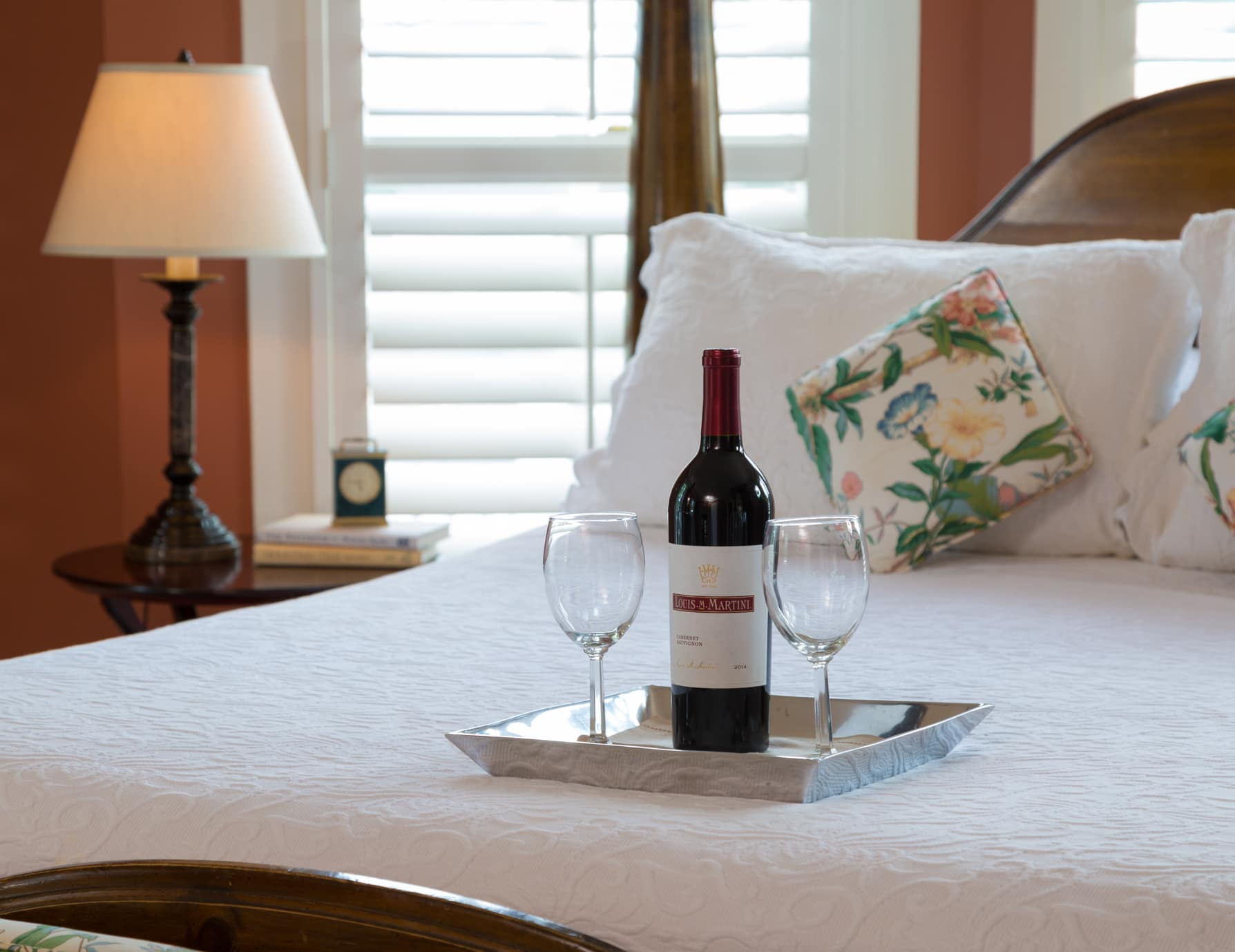 Enjoy a Bottle of Red Wine During a Romantic Getaway to NC Beaches