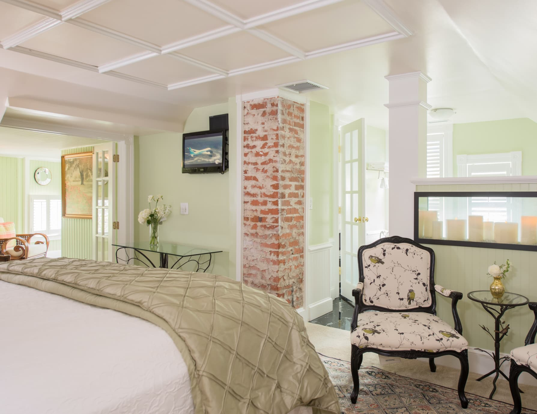 Manteo NC Lodging Features King Bed, Separate Sitting Area and Private Bath