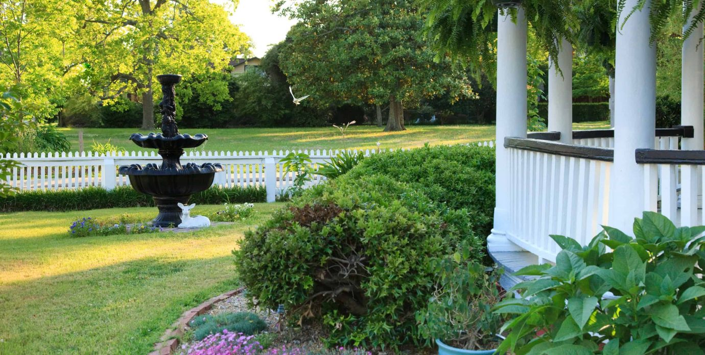 Outer Banks Bed and Breakfast Gardens