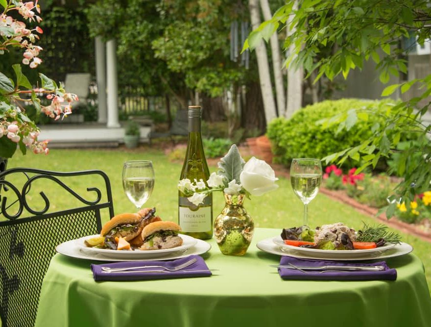 Fine Dining in Outside Seating