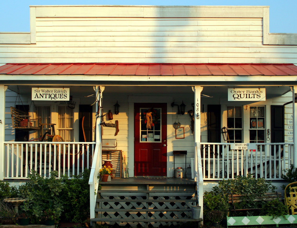 Antiques and Collectibles Shopping in Manteo, NC