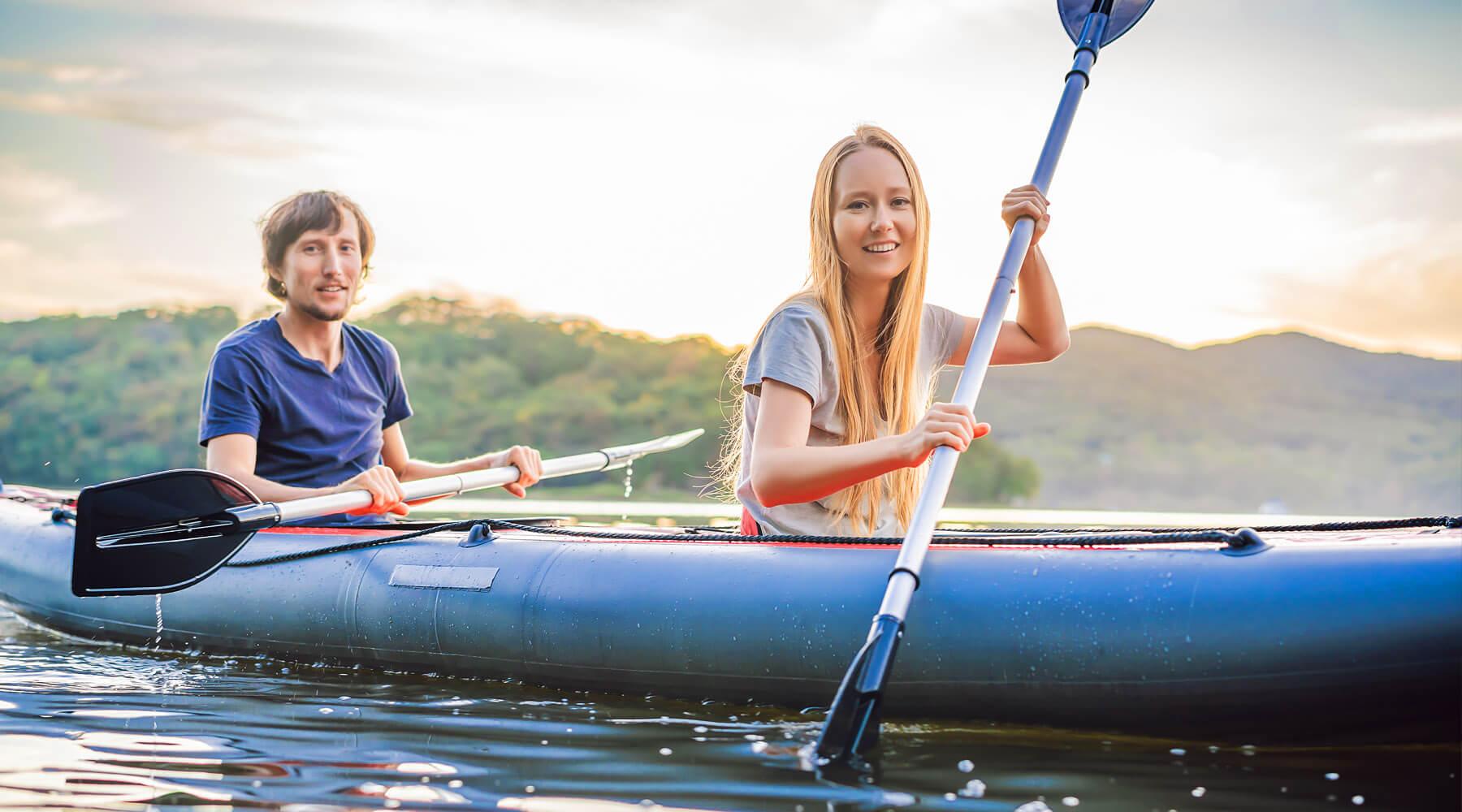 Couple kayaking on Roanoake Island