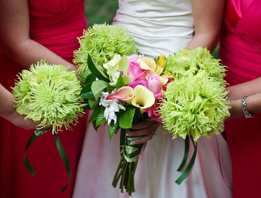 Green and pink brides and bridesmaids bouquets