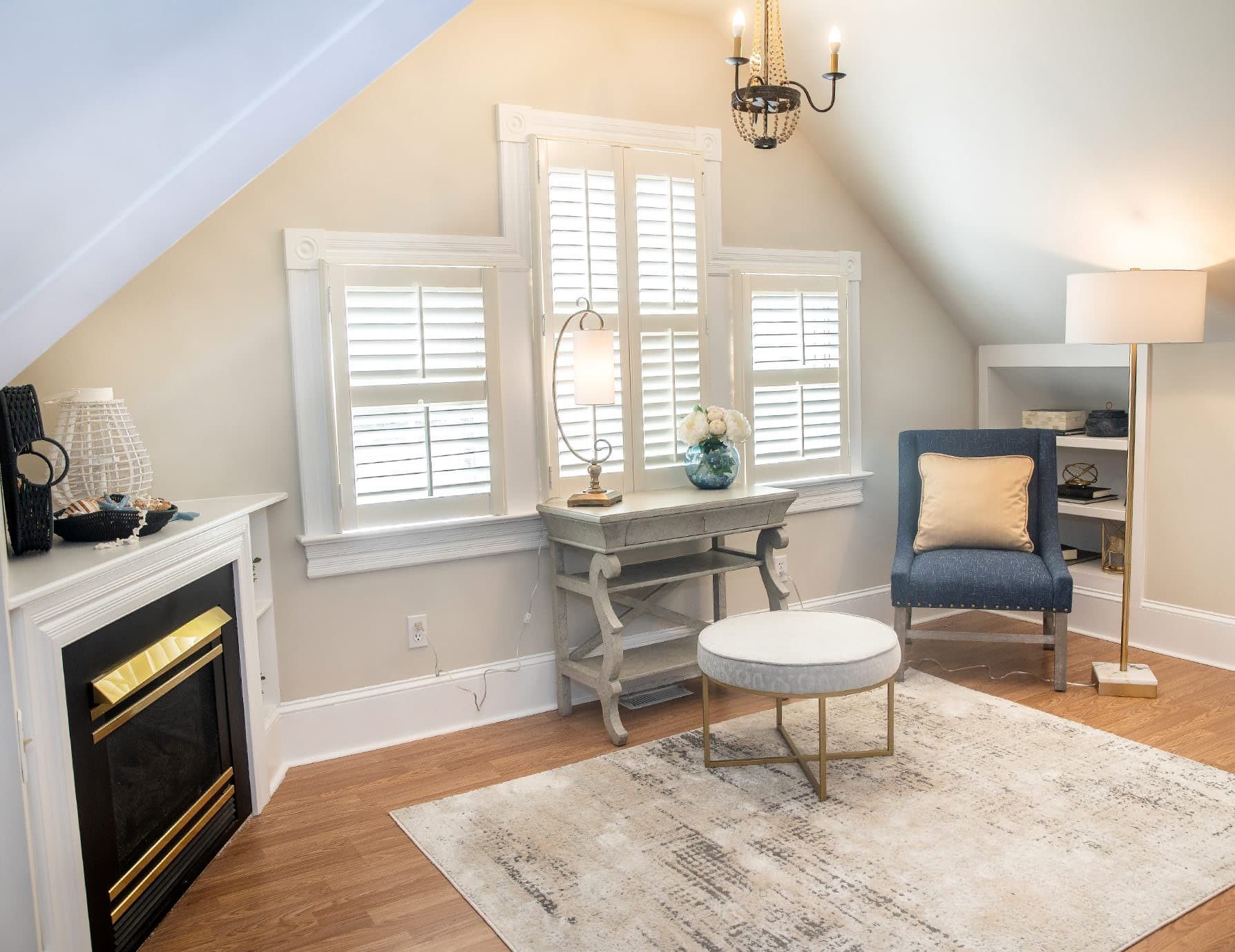 Scuppernong Suite sitting area - Dog Friendly Outer Banks lodging